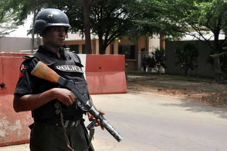 ナイジェリアの治安部隊は800人以上の人々を捕虜から解放した