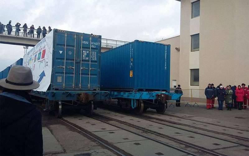 非丝绸之路。 在俄罗斯各地旅行的乌克兰火车无法返回