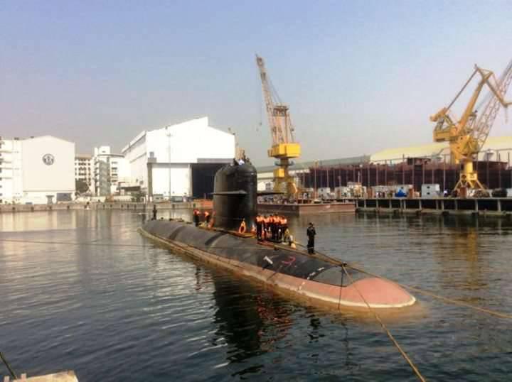 Hint denizaltı Scorpene teste geldi