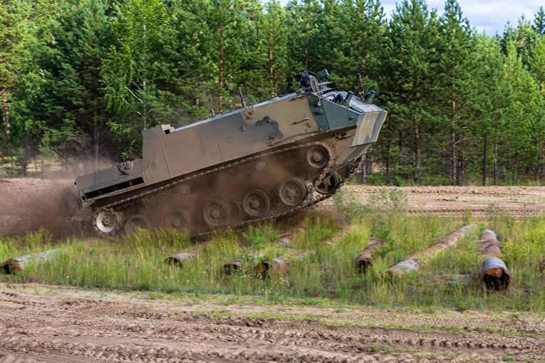 कोवरोव में, वे BMP-3 और एक बायोमॉर्फिक रोबोट पर आधारित एक रोबोट कॉम्प्लेक्स पर काम कर रहे हैं