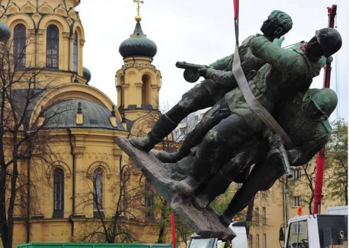 波兰人制定了一项拆除苏联时代超过500纪念碑的计划