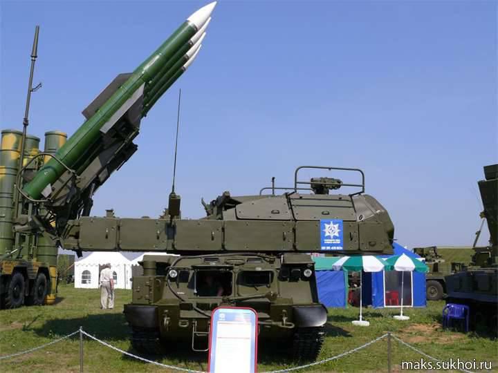 Bei BBO wurde eine Charge des Buk-M2-Flugabwehr-Raketensystems eingerichtet