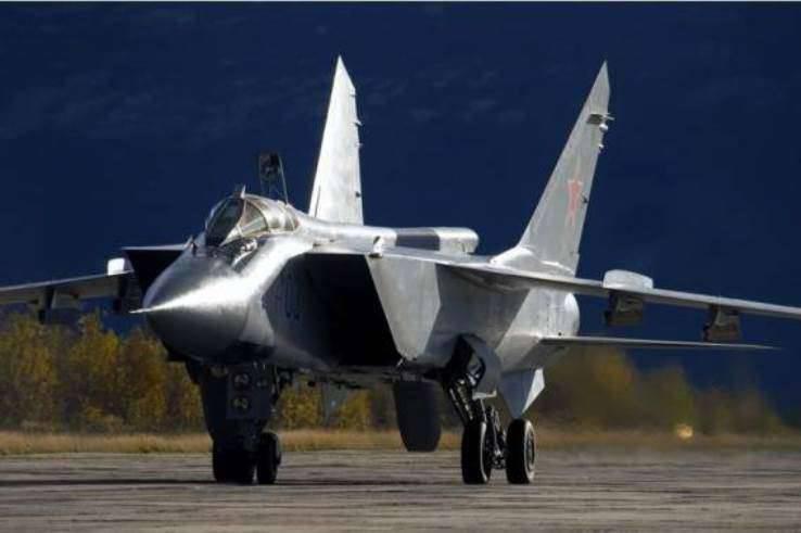 Los combatientes de MiG-31BM cerca de Astrakhan alcanzaron objetivos y realizaron una batalla aérea de entrenamiento