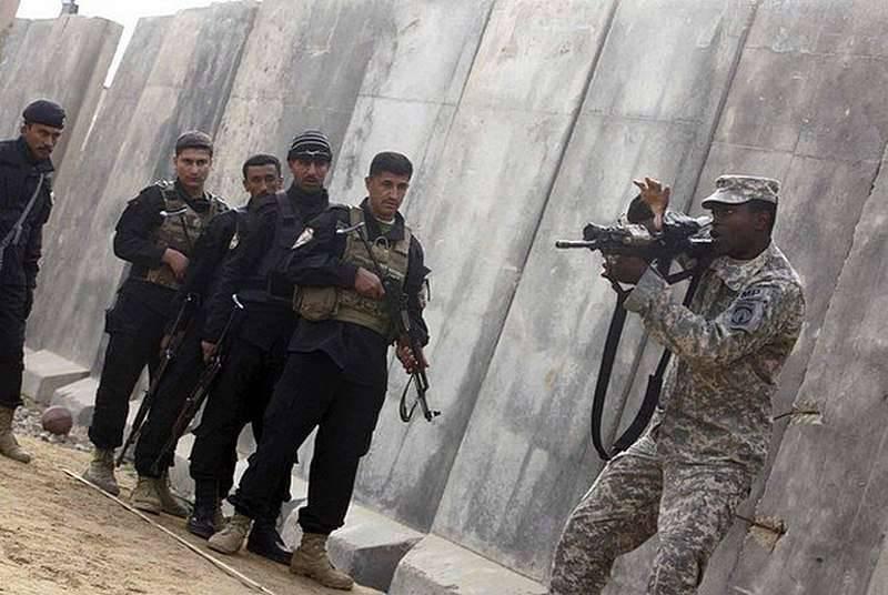 """Il Pentagono riprende l'addestramento per i """"moderati"""" siriani"""