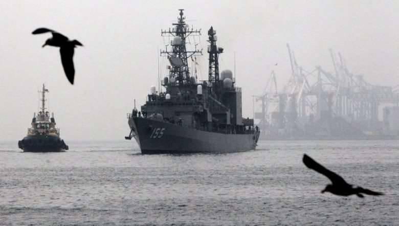 पीआरसी के विवादित द्वीपों के पास जापानी जहाजों ने फिलीपीन बंदरगाह में प्रवेश किया