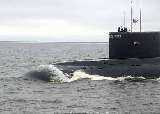 """लातविया ने अपने विशेष आर्थिक क्षेत्र में """"एक रूसी पनडुब्बी"""" की पहचान की"""
