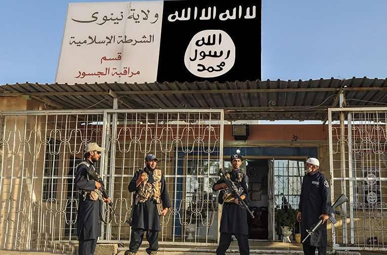 Terroristas do IS usaram substâncias tóxicas no bombardeio da base aérea do governo