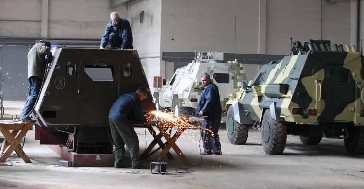 """En el ucraniano """"Dozor-B"""" después de las pruebas encontraron grietas en la armadura"""