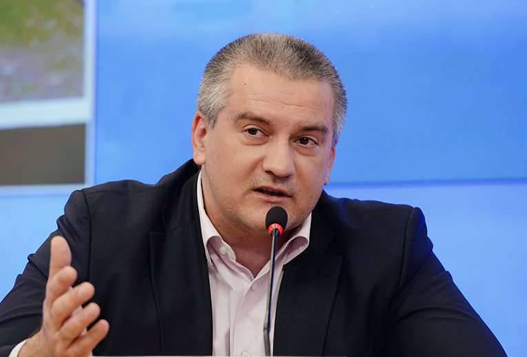 Kırım yetkilileri, eskiden Ukrayna'ya ait olan askeri araçları kullanmak için Moskova'dan izin istiyor