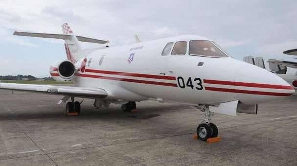 日本では、飛行機は自衛隊を消した