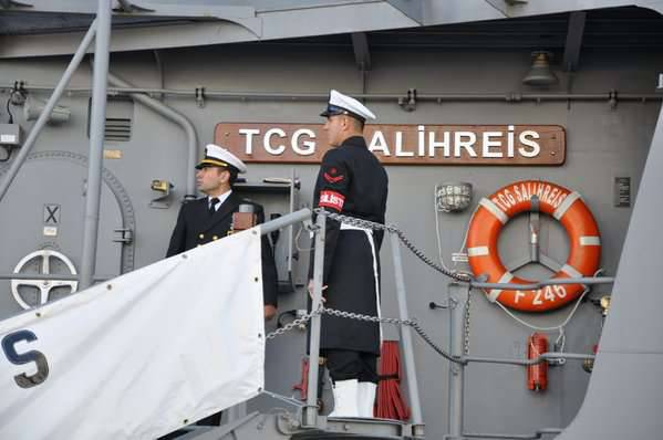 """""""Hetman Sagaydachny"""" conducted training with two ships of the Turkish Navy in the Black Sea"""