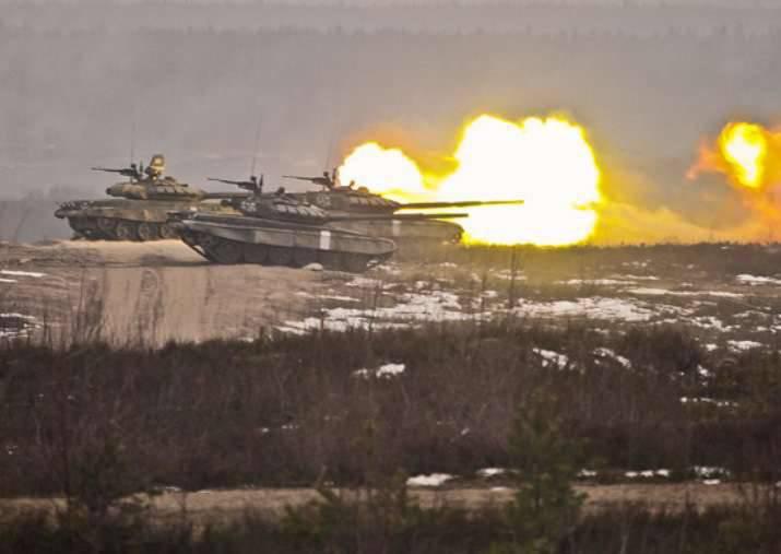 In der Abteilung von Kantemirovskaya passiert bilaterale Bataillonübungen