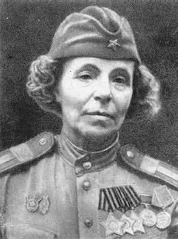 """Снайпер Нина Петрова: """"Бабушка будет полным кавалером, если доносит свою голову до конца..."""""""