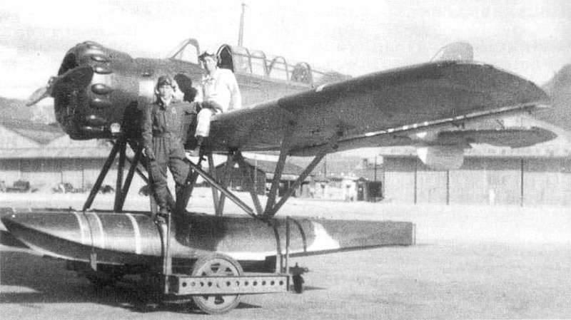 Submarinos de ala: la historia del uso de aviones de submarinos