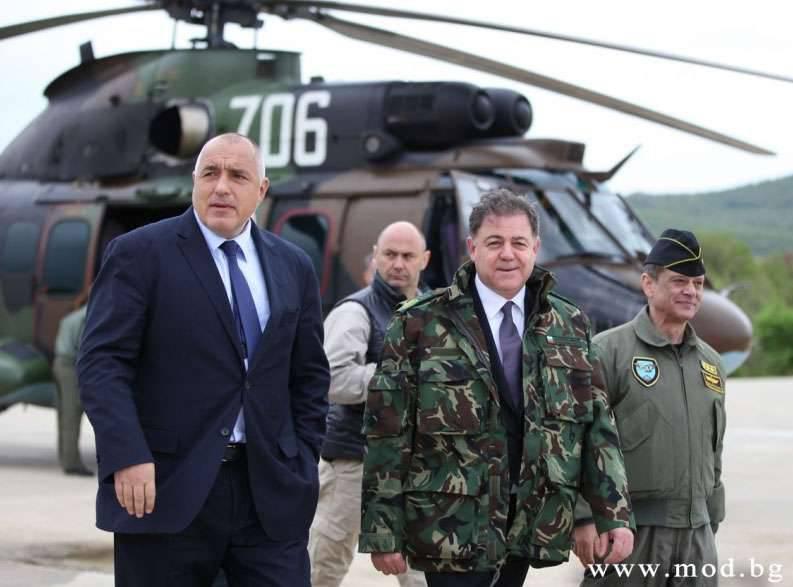 """O primeiro-ministro búlgaro, abrindo os exercícios conjuntos """"Counter strike 2016"""": """"A Bulgária mostrará aos parceiros americanos as gloriosas tradições do exército búlgaro"""""""