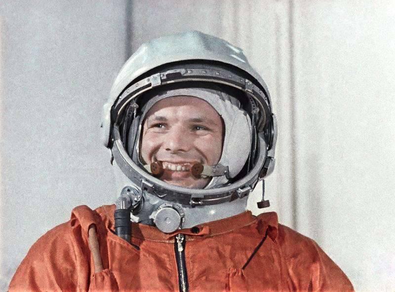 Il trionfo cosmico di 1961. Cosa impedirebbe a Yuri Gagarin di sorridere ampiamente oggi?