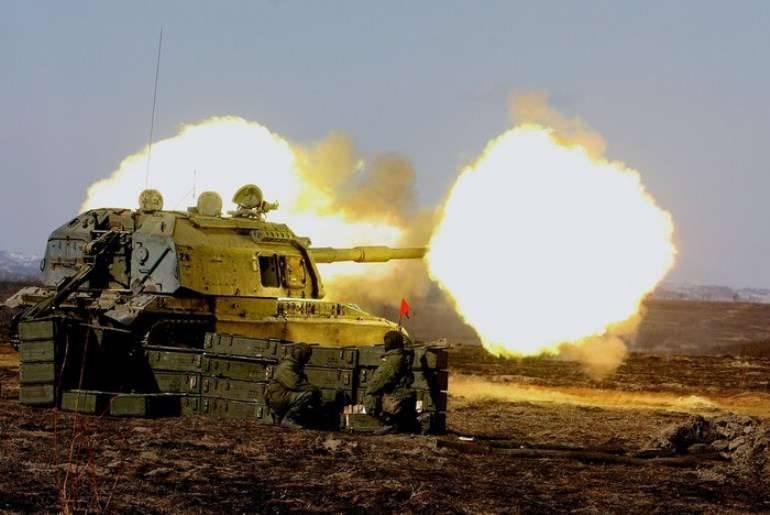 Gli artiglieri del Distretto Militare Meridionale hanno sparato con armi moderne contro i poligoni del Caucaso settentrionale