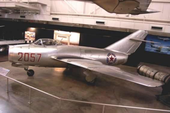 Come salvare l'America dagli errori. Al sessantacinquesimo anniversario della sconfitta dell'aviazione americana da parte dei MiG sovietici sulla Corea