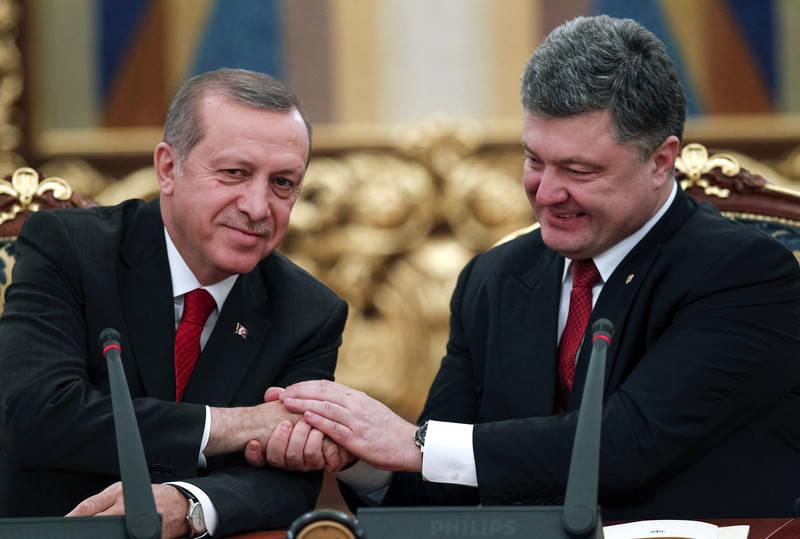 Zor yorumlar. Bir Türk taşına Ukraynalı örgü mü buldun?