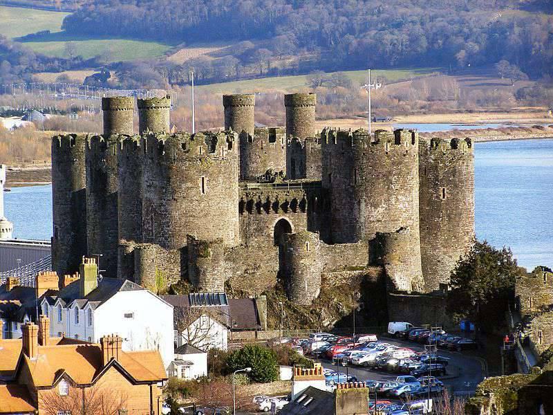 "Conwy Castle - Edward I.의 ""철제 반지""의 왕실 성"