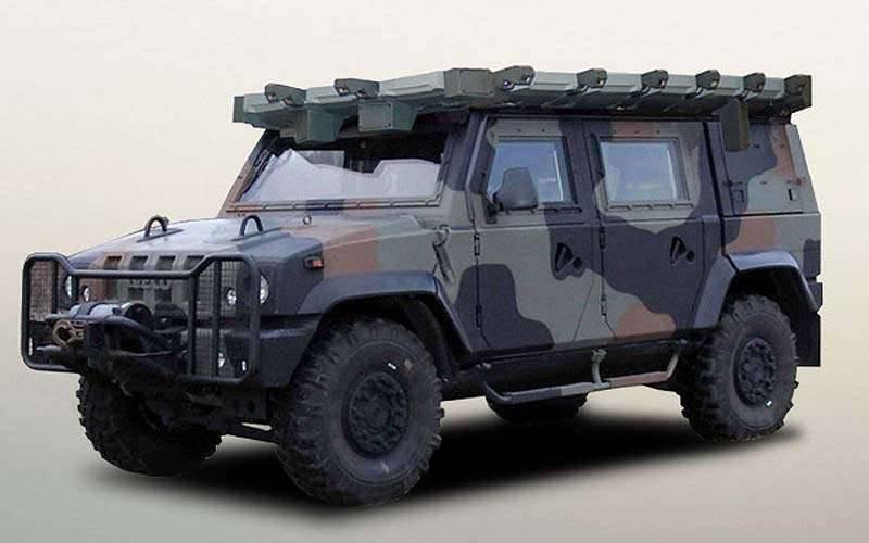 Protezione attiva di veicoli corazzati o extra di sette tonnellate