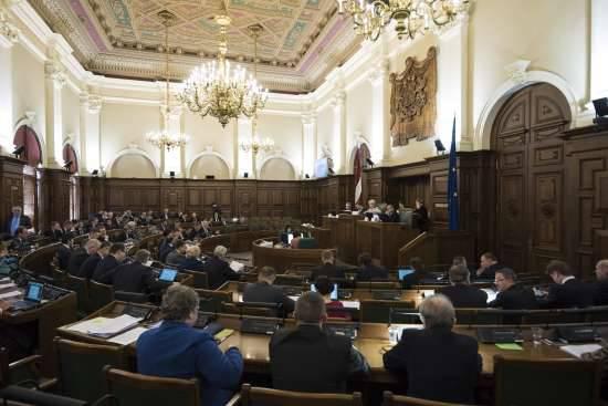 """Lettisches Parlament verabschiedet Änderungen des Strafgesetzbuchs zur Bestrafung der """"hybriden Bedrohung"""""""