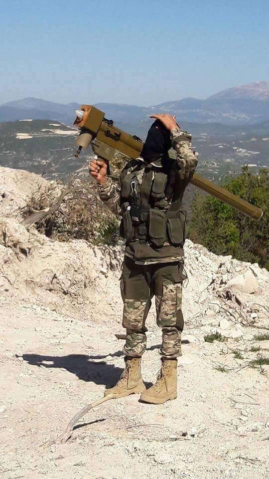 Nouvelles photos d'opposants syriens avec des MANPADS FN-6 chinois