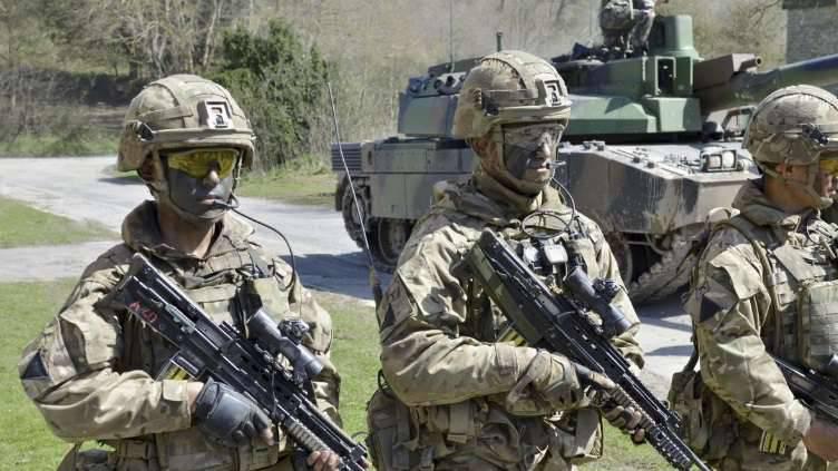 L'exercice de remise des diplômes Griffin Strike du Corps militaire franco-britannique a lieu en Grande-Bretagne