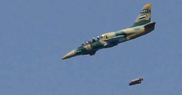 La aviación siria ataca a los militantes de ISIS cerca de Raqqa y cerca de la frontera con Irak