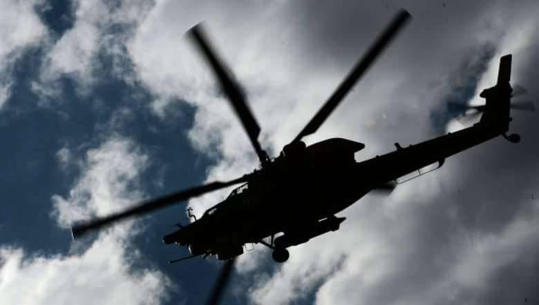 南部軍地区のヘリコプターのパイロットが地上目標へのロケット攻撃を果たした