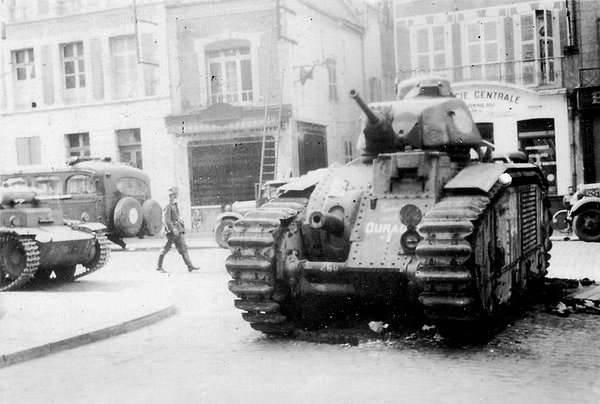 전투 중 블리츠 크리크 탱크 (2의 일부)