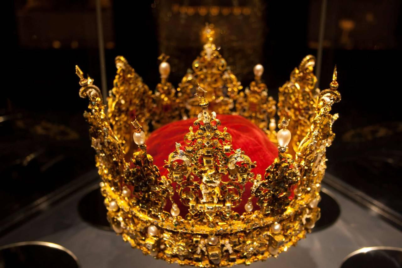 Картинки фото короны