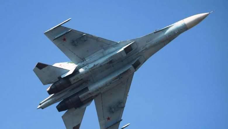 """五角大楼发言人:俄罗斯苏-XNUMX对美国侦察机的""""不安全和不专业""""拦截可能导致紧张局势升级。"""