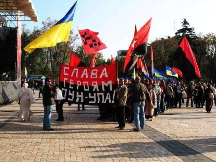 Mídia: reescrevendo a história, a Ucrânia luta com sua própria identidade