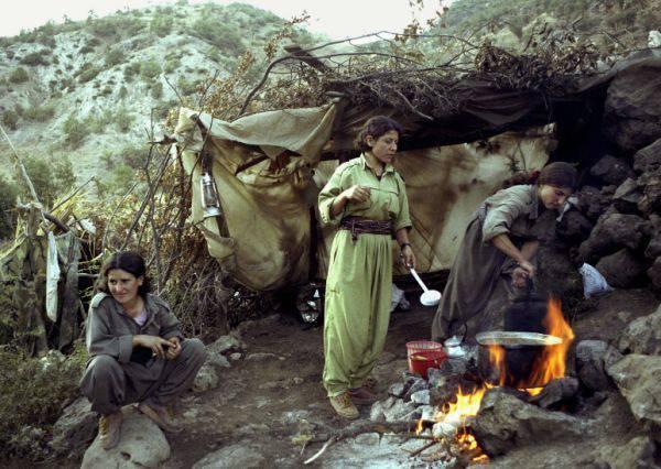Kurdos iraníes: historia y modernidad