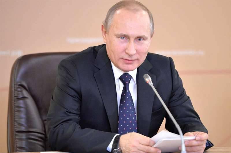 ドミトリー・ペスコフは、ウラジミール・プーチンが戦勝記念日にウクライナとグルジアの首脳を祝福しなかった理由について、インターファックスのジャーナリストの質問に答えた。
