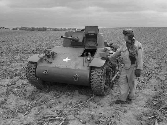Lightweight airborne tank M22 Locust