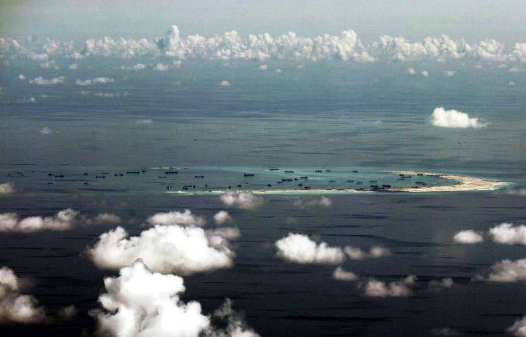 """The Pentagon: American destroyer visited the disputed islands in the South China Sea, taking advantage of the """"right of peaceful passage"""""""