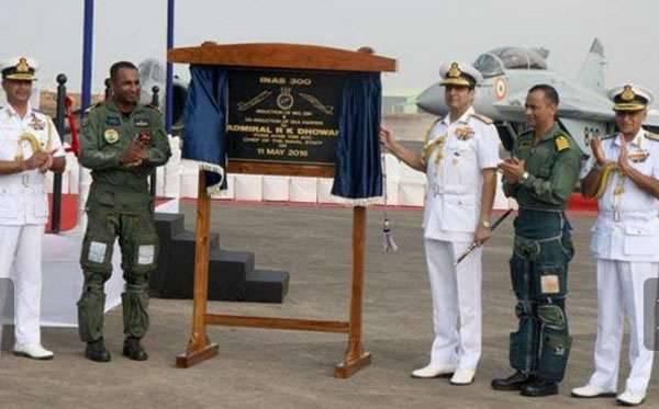 Marinha indiana abandonou caças-bombardeiros Sea Harrier baseados em porta-aviões britânicos em favor do russo MiG-29K