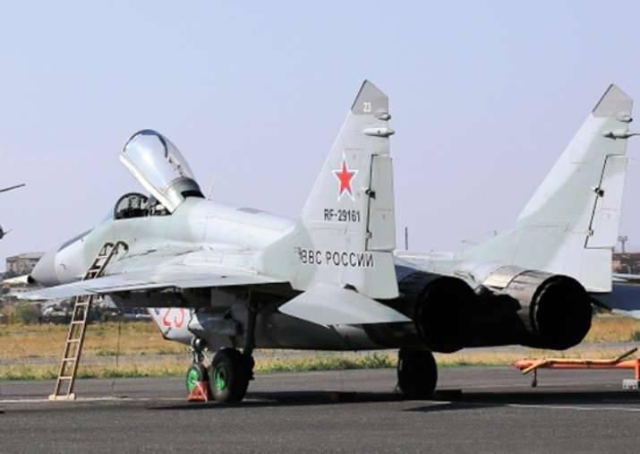 Esercitazione di volo presso la base aerea russa di Erebuni