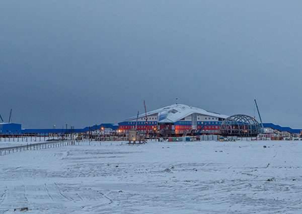 Migliaia di tonnellate di materiali da costruzione vengono consegnate nell'Artico per lo sviluppo delle infrastrutture militari della Federazione Russa
