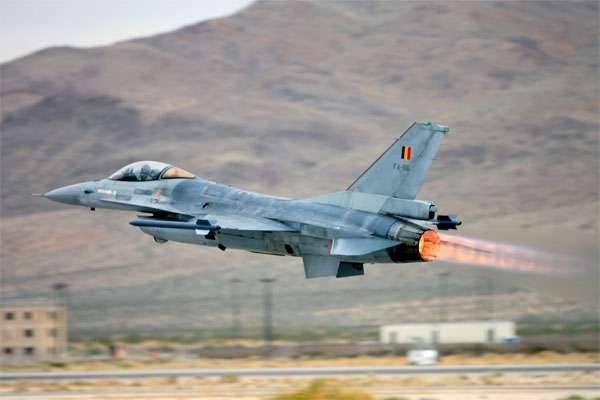 ブリュッセルはシリアで反ISIS航空作戦を開始するよう促した
