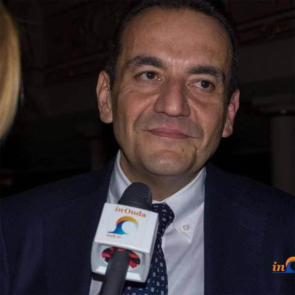 이탈리아 의회 의원이 방문하기 위해 크림에 도착했습니다.