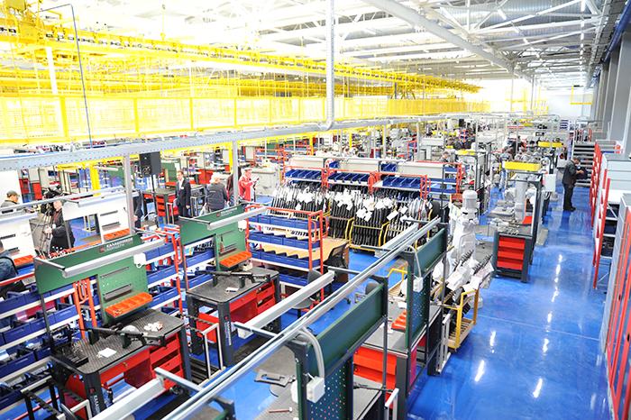 """Preocupação """"Kalashnikov"""" moderniza a produção e amplia a gama de produtos"""