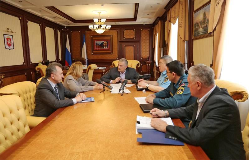 크리미아 당국은 한반도의 전기 부족으로 이전에 소개 된 긴급 상황을 폐지했다.