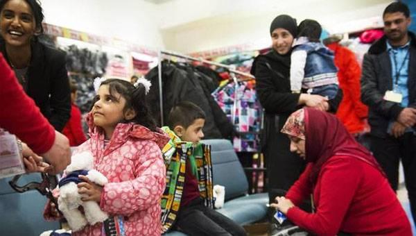 フィンランドの一時宿泊施設から2,5万人を超える難民が「消失」