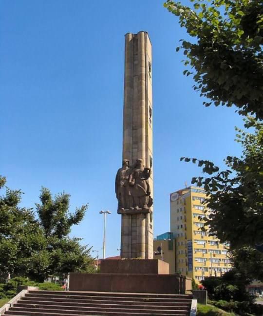 पोलिश स्ज़ेसकिन में लाल सेना की कृतज्ञता के स्मारक को नष्ट करने का इरादा है