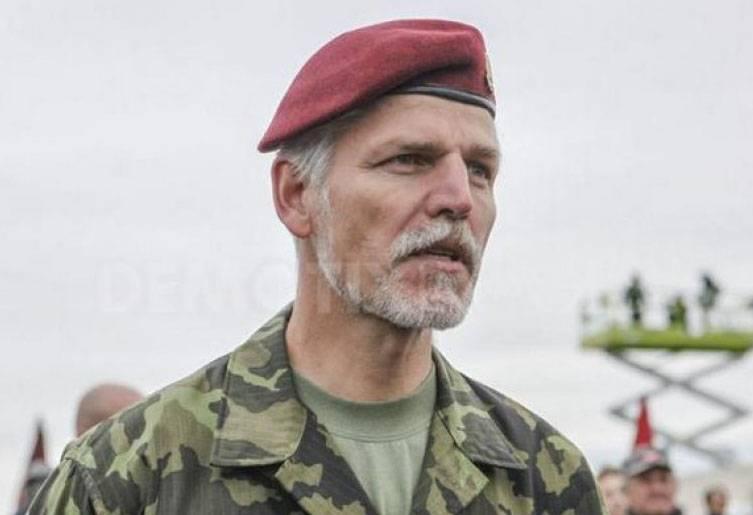 """NATO generali, askeri bloğun """"dünyadaki en güçlü blok kalacağını"""" söyledi."""