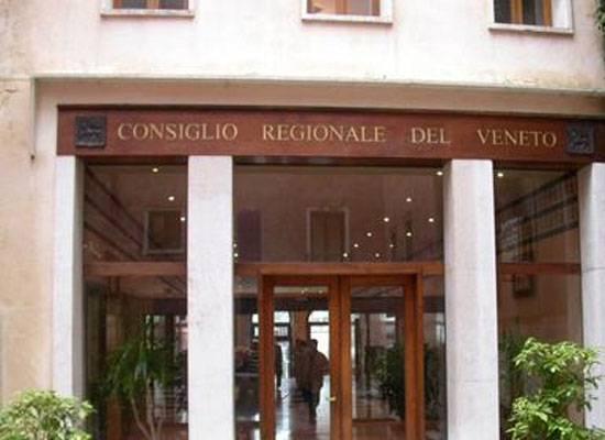 Deputados do conselho regional da região italiana de Veneto reconheceu a Crimeia e Sevastopol como parte da Rússia