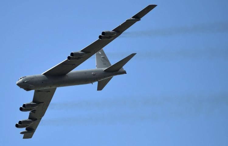 Bombardeiro americano B-52 caiu na base aérea de Andersen (ilha de Guam)
